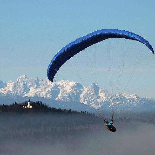 Kezdő siklóernyős tanfolyam flyaway. Alapfoku siklóernyős képzés.
