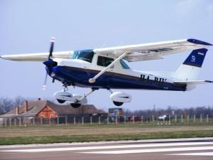 Rózsavölgyi Air Motorosrepülés pilótaképzés szeged rózsavölgyiair
